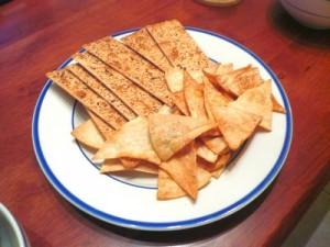Чипсы и сухарики: можно ли съесть немного во время беременности