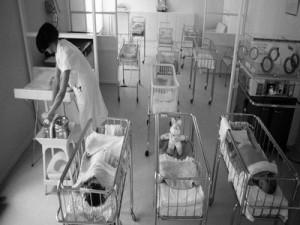 Юридические аспекты и тонкости отказа от ребенка в роддоме - Украина