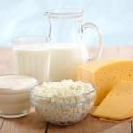 Молочные продукты и беременность: кефир, йогурт, творог, сыр и сметана