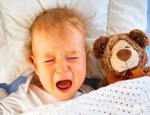 Как приучить ребёнка засыпать в своей кроватке
